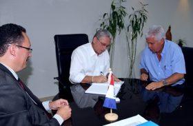 Teotonio Vilela reassume o governo de Alagoas