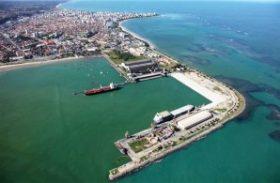 Portuários paralisam atividades e comprometem serviços em Maceió