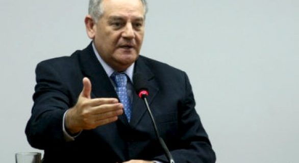 'Dilma caía há uma semana, hoje não cai mais', diz Carimbão