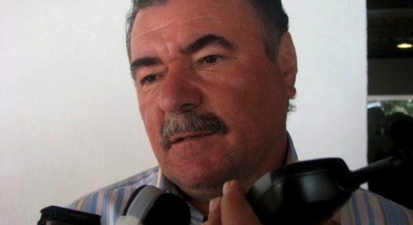 Questionado sobre ser vice, Almeida diz que pesquisas o mostram à frente
