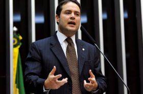 Renan Filho começa campanha na TV e aposta na 'participação' popular