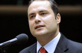 Renan Filho enfrenta o desafio de 'descolar' de Renan Calheiros