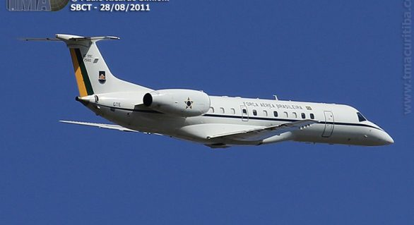 Renan e ministros lotam aviões da FAB em voos no Carnaval