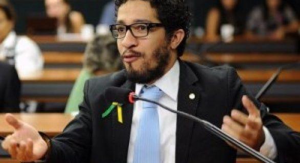 Deputado propõe descriminalização do uso e produção da maconha