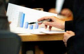 Receita do setor de serviços varia 9,3% em um ano, diz IBGE