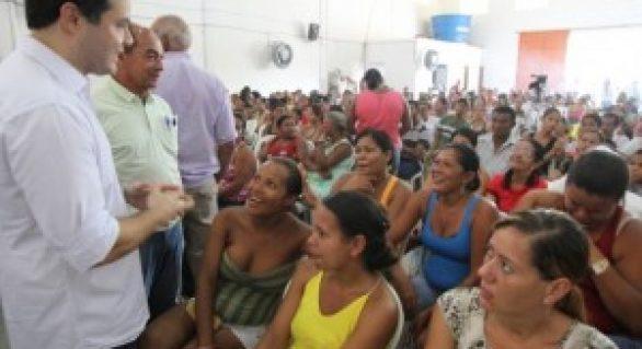 Renan Filho destaca importância de casas para pescadores