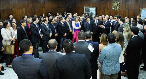 Renan garante apoio a PEC que reajusta FPM
