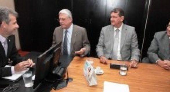 Vilela e Villas Bôas articulam com novo ministro da saúde projetos para o SUS de Alagoas