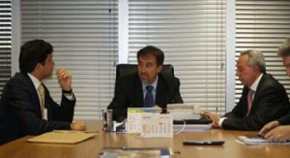 Rui Palmeira discute projetos com ministros em Brasília
