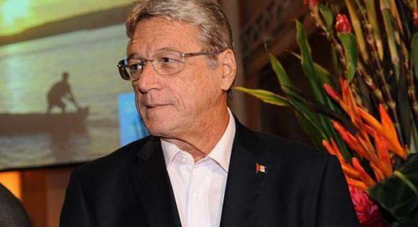 Com Tavares,Téo Vilela corre risco de isolamento político