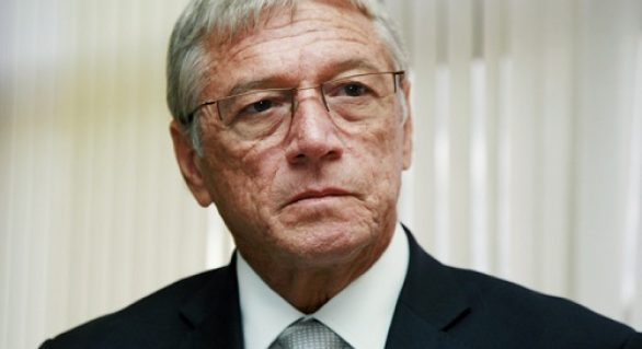 Vilela vive maior isolamento político de um governador em décadas