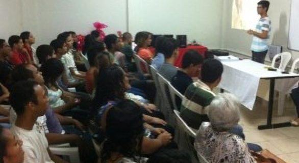Quase 100 trabalhadores são capacitados em varejo na Ong O Consolador