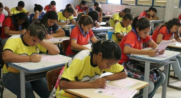 370 mil estudantes de AL participam de Olimpíada Brasileira de Matemática