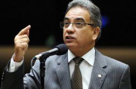"""Deputado alega """"ditadura das minorias"""" para defender Estatuto da Família"""