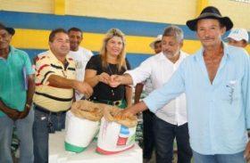Pequenos produtores rurais de Traipu recebem mais de 12 toneladas de sementes