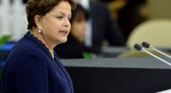 Em ato de campanha, Dilma defende novo ciclo de desenvolvimento para o país
