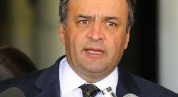 Aécio defende estímulo ao etanol e diz que deve se licenciar do Senado