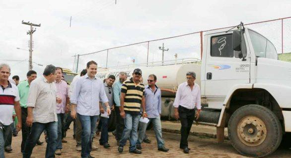 Renan Filho confirma apoio de pipeiros de Igaci