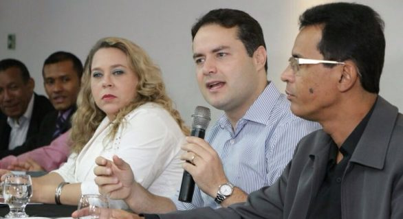 Pré-candidato ao governo, Renan Filho, se reúne com associação de pastores