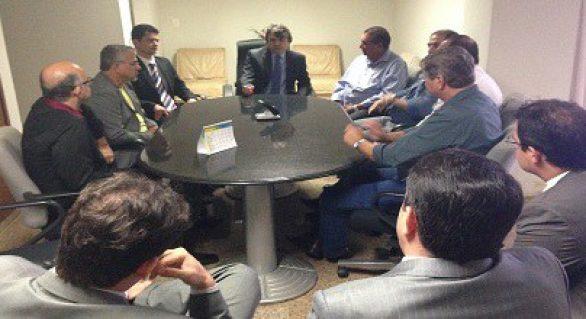 Corregedor substituto se reúne com candidatos ao governo de Alagoas