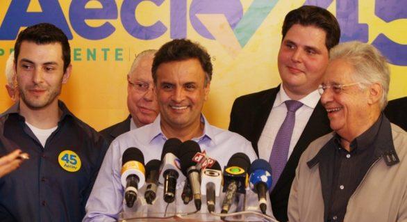 Aécio diz que questão da reeleição tem de ser discutida no Congresso