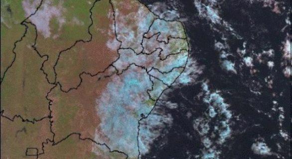 Previsão aponta chuvas isoladas no Litoral, Zona da Mata e Agreste
