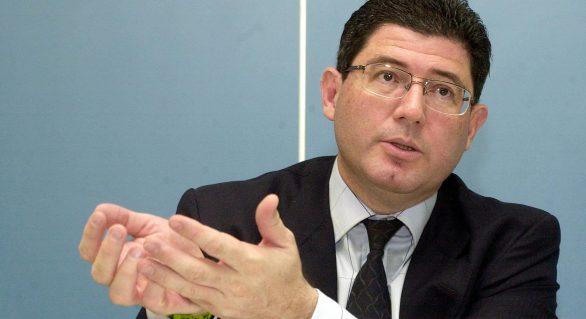 """Profunda recessão e busca por ajuste fiscal marcaram o """"ano Levy"""""""
