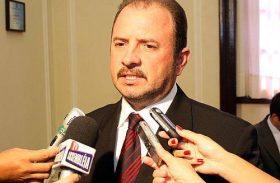 Antônio Albuquerque terá que convocar eleição na ALE em 5 dias