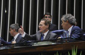 Senado aprova janela para troca de partidos de deputados e vereadores