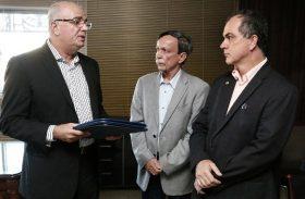 Líder do governo diz que 'passe livre' será aprovado com urgência