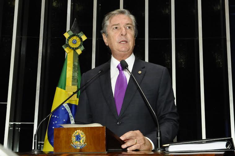 Senador Collor discursa e apresenta 28 propostas para reforma política