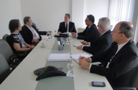 BNB e Desenvolve discutem parcerias de fomento ao setor produtivo do Estado