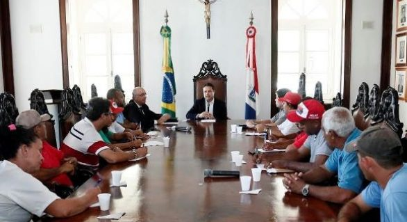 Governo abre diálogo com movimentos sociais da terra