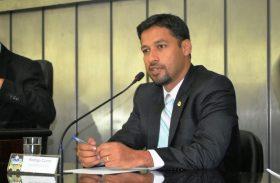 Rodrigo Cunha critica Casal por poluição de praias em Maceió