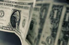 Dólar fecha a R$ 4,16, maior nível desde a criação do real