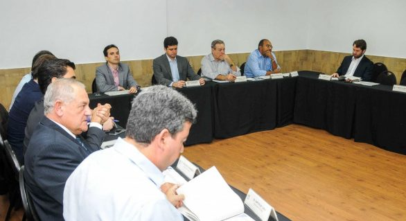 Reunião da bancada federal 'antecipa' disputa pela prefeitura de Maceió