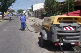 Casal inicia obras de desobstrução de interceptor da rede coletora de esgoto