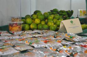 Cooperativa do Vale do Mundaú fecha negócio durante feira de supermercados