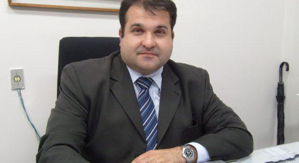 """Santoro tem maior média na """"prova final"""" de 2015 no governo de Renan Filho"""