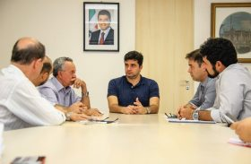 Reunião entre prefeitura e CBTU discute expansão do VLT até o bairro de Jaraguá