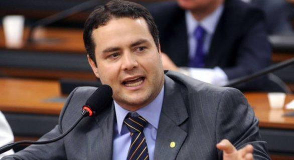 Renan Filho e Tutmés Airan anunciam volta da operação da Usina Uruba