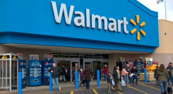 Walmart estuda fechar lojas no Brasil
