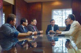 Deputados e vice-governador debatem vetos do Executivo