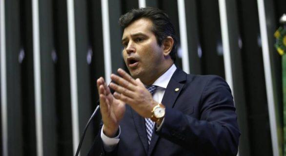 """Maurício Quintella """"pede votos"""" para candidatos a vereador e prefeito em AL"""