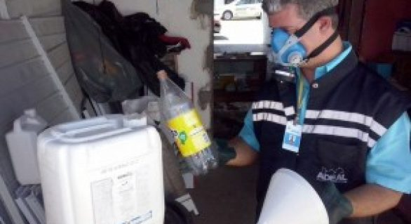 Técnicos da Adeal fiscalizam revenda de agrotóxicos no Sertão