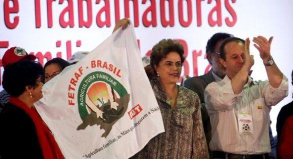 Com presença de Dilma, congresso de agricultores familiares critica governo