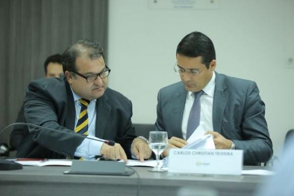 Secretários Christian Teixeira e George Santoro durante apresentação da LDO na Assembleia Legislativa