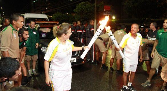 Apesar de muita chuva, emoção marca a passagem da tocha por Alagoas