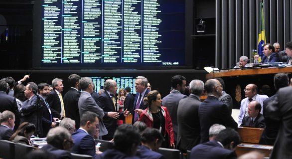 Câmara aprova renegociação das dívidas dos Estados sem limite a reajustes salariais