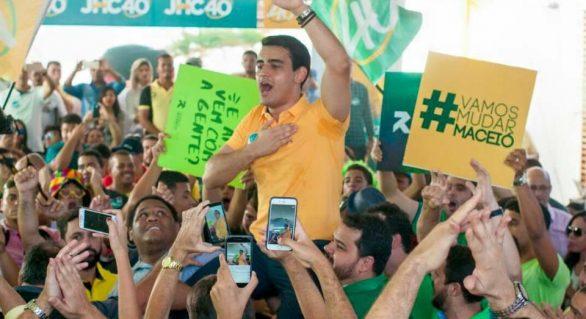 JHC quer conquistar eleitor de Maceió pelas redes sociais